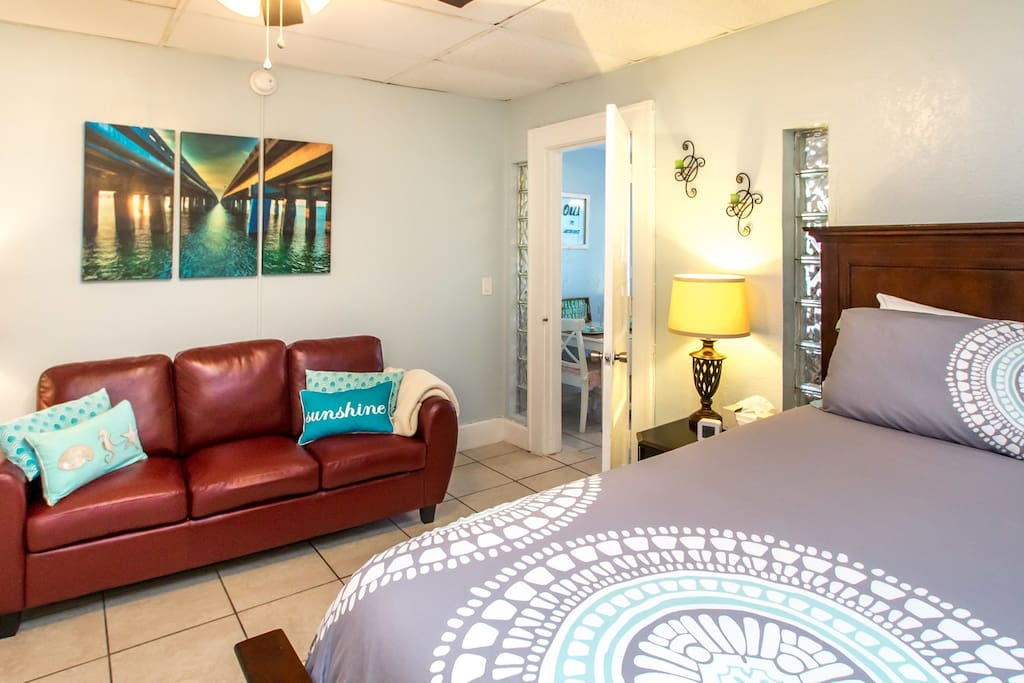 Old Northeast One Bedroom W Patio Suite Apartments For Rent In Saint Petersburg Florida
