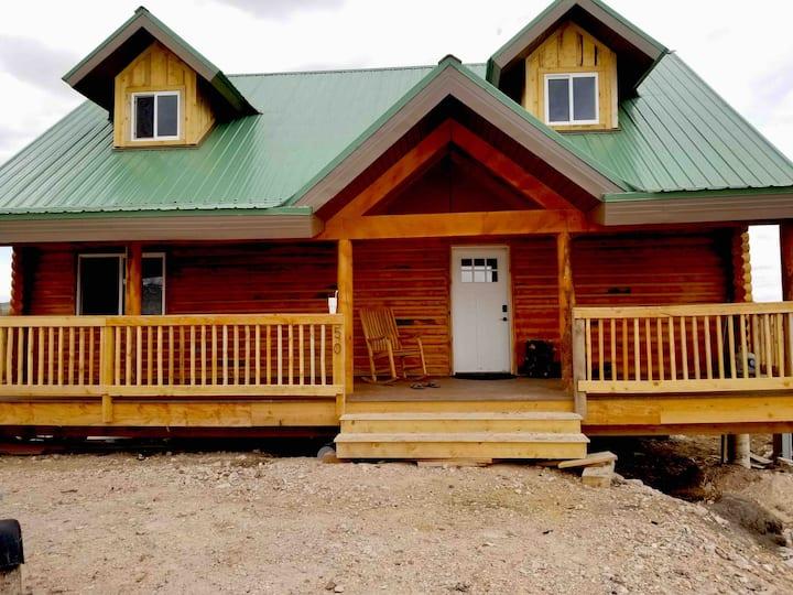 St. Charles Cabin at Bear Lake (Maximum 12 guests)