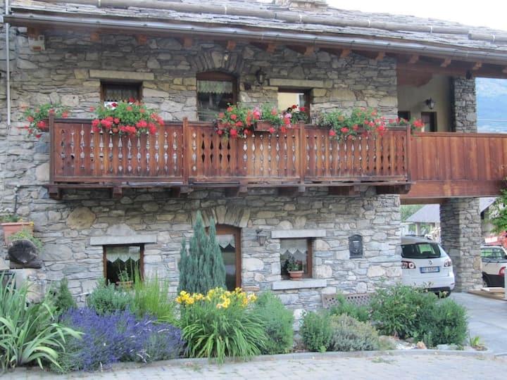 Appartamento con giardino fronte casa