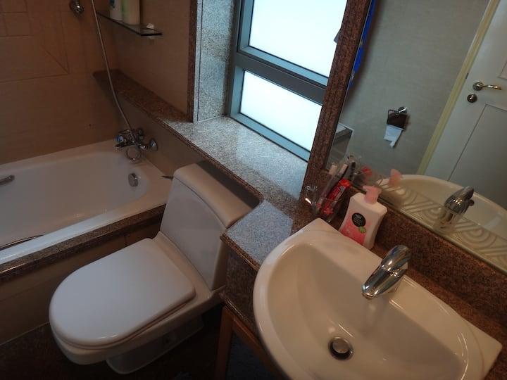 17B 3 Bedrooms 2 Bathrooms Apartment