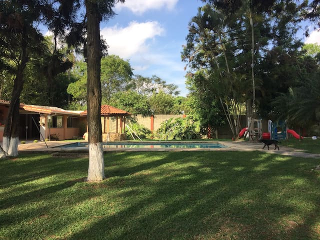 Sítio lindo, 30 km de SP, Próx Rota Vinhos S Roque - Vargem Grande Paulista - Houten huisje