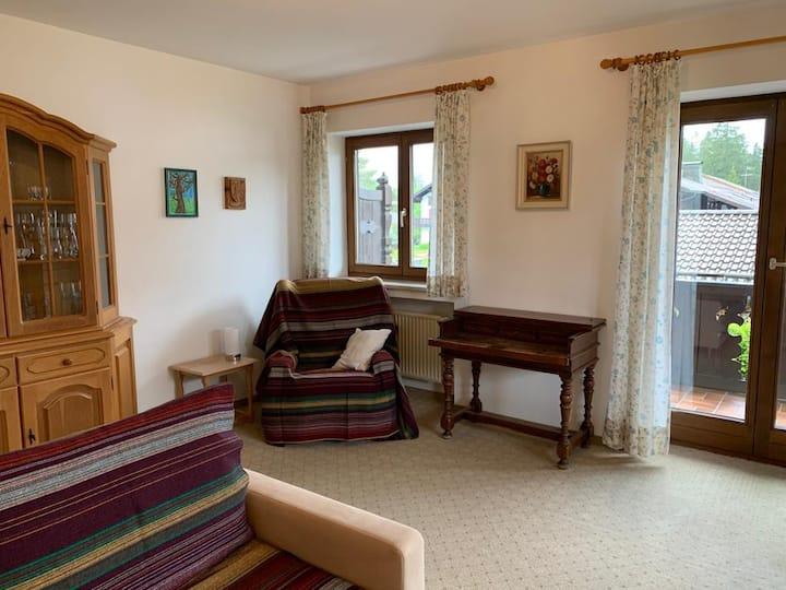 2 Zimmer FeWo (60m2) mit Karwendelblick in Krün