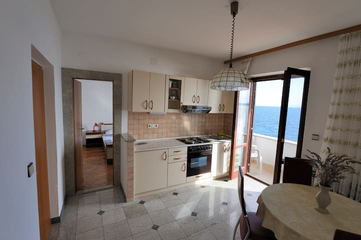 Apartment no.3  with balcony and sea view - Zavala - Wohnung
