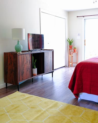 Entire Private Mid Century Modern Guest House