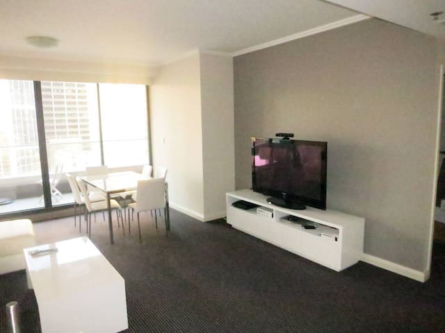 Large 2 Bedroom Apartment above World Square CBD