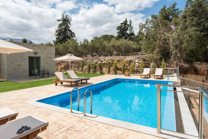 Modern Stone Villa Pines, Private Pool and Garden!