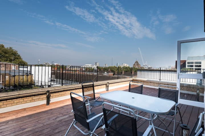 -20%! High Holborn 3BR Penthouse, amazing terrace!