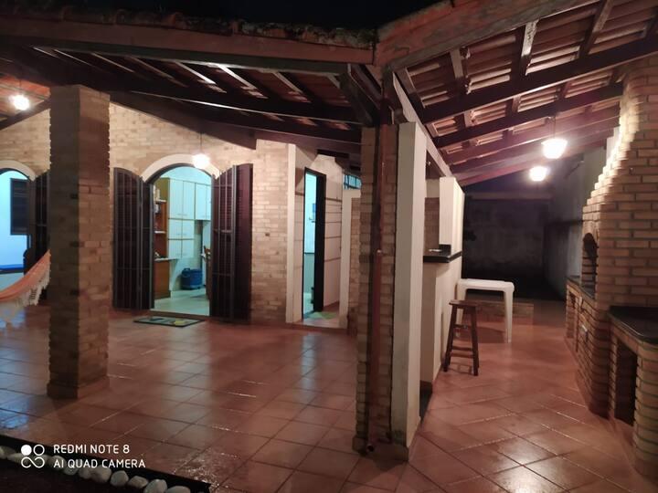 Casa em Caraguatatuba com churrasqueira