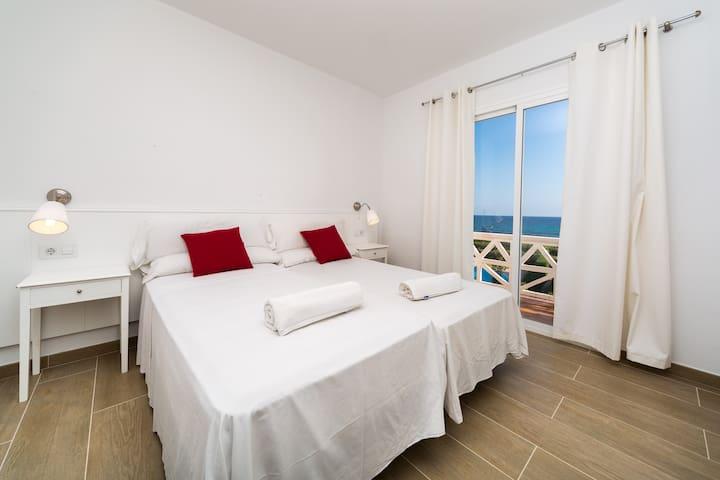 Bedroom 1 (ensuite)