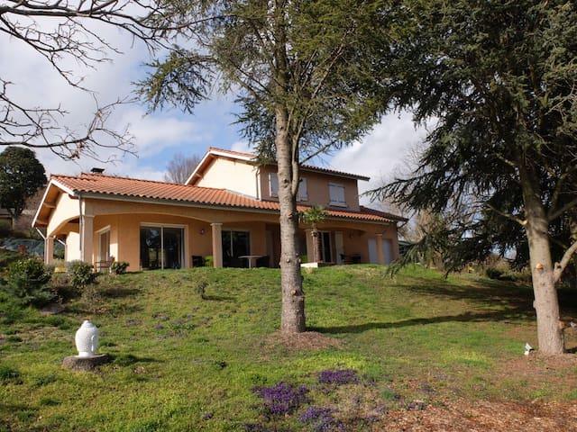 Maison avec vue sur le pilat - Saint-Maurice-sur-Dargoire - Rumah