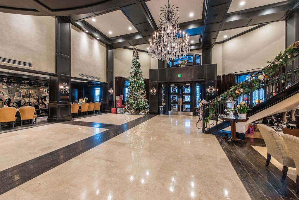 Lobby of the hotel. Here the front desk will get you your units front door key.