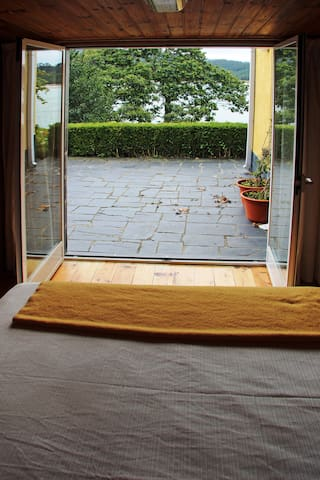 Salida dormitorio 3 a la terraza este (exit bedroom 3 to east-facing terrace)