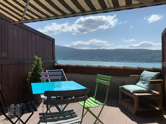 T1 bis ! Vue lac à 180* et terrasse exceptionnelle