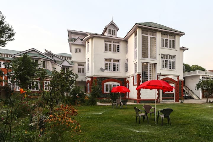 Hotel Ashai 4 Bedroom Apartment - Srinagar - Apartament