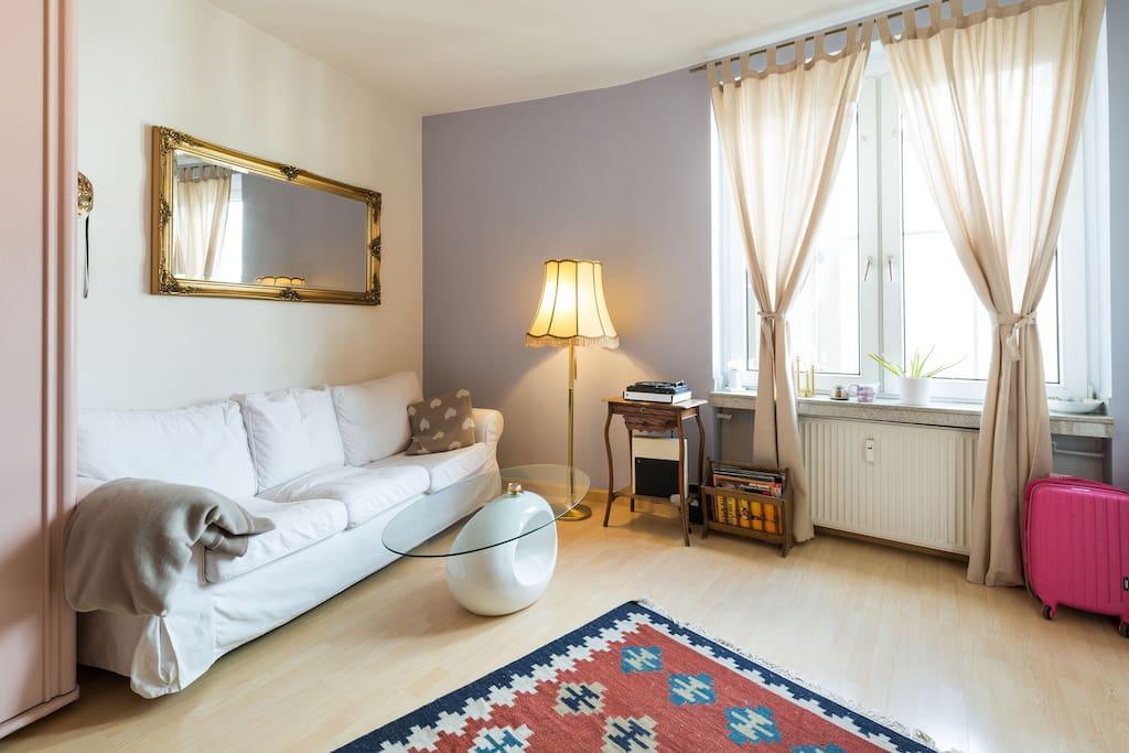 sonniges apartment in bilk wohnungen zur miete in d sseldorf nordrhein westfalen deutschland. Black Bedroom Furniture Sets. Home Design Ideas