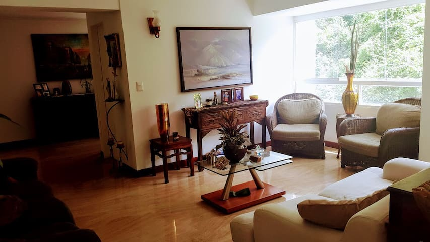Two floor apt in Las Mercedes (2.153 SqFt)
