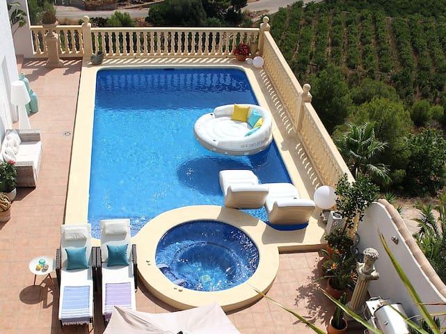 Luxury Apartment on Spain's Orange Blossom Coast