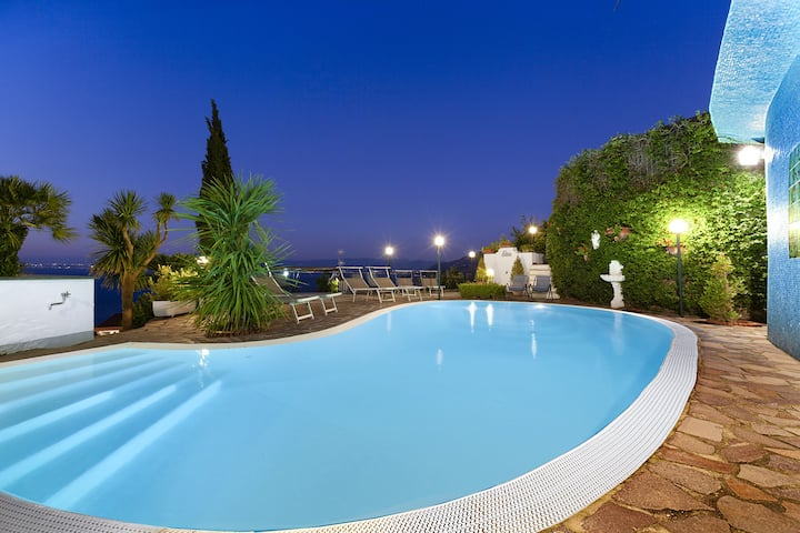 Villa Bianca with Private Swimming Pool, Sea View, Terraces, Parking and Barbecue