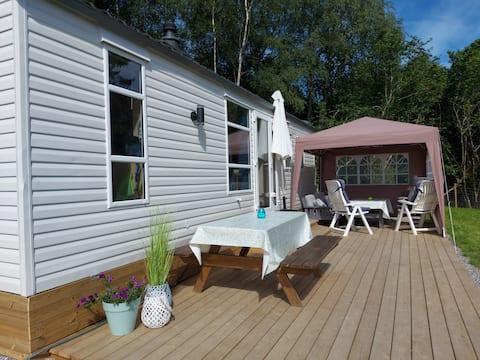 Mini-huis, Tresfjord. Rustige omgeving, 6 bedden, sauna.