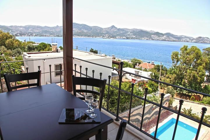 Solo Mare with magnificent sea view - Bodrum - Departamento
