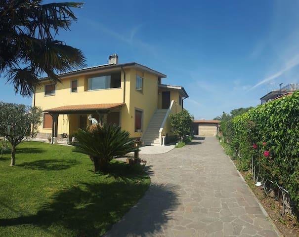 RomeBeacHouse - Fiumicino - Daire