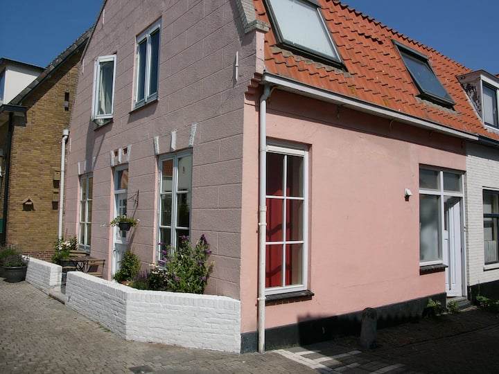 Sunny comfortable house in the heart of Zandvoort
