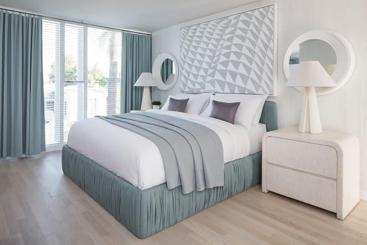 Avalon Premier One Bedroom Suite