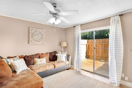 Charming townhouse in downtown Lake Charles