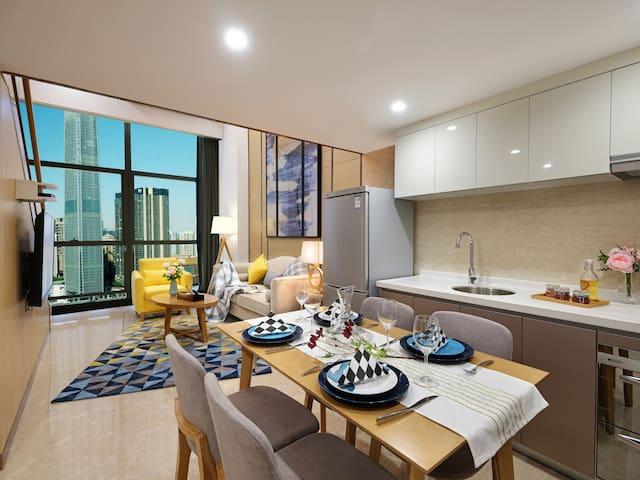 珠江新城CBD/城景复式一房一厅大床/3分钟步行潭村地铁站/近赛马场、太阳新天地