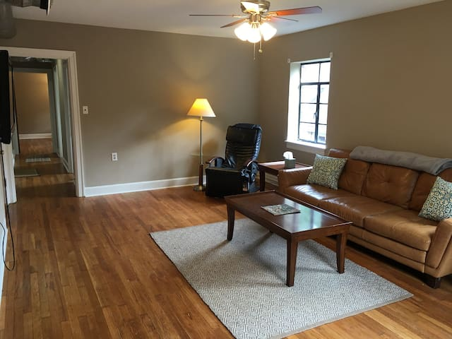 Spacious, private 1Bd between UK campus & Downtown - Lexington - Leilighet