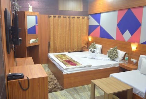 Hotel Dhingra Residency Luxurious AC Rooms