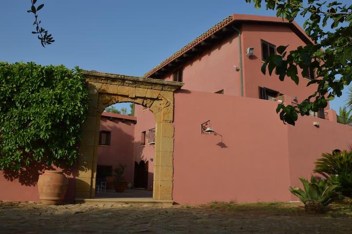 CasaRealia - Pietre cadute - Family suite