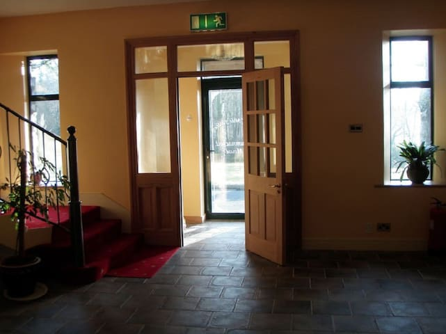 Family Guesthouse 5 rooms sleeps 12: €35 pp