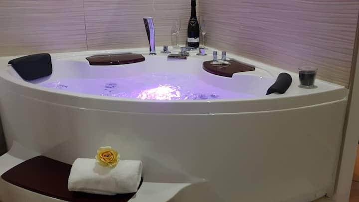 Relax Apartment con vasca idromassaggio nel Corso