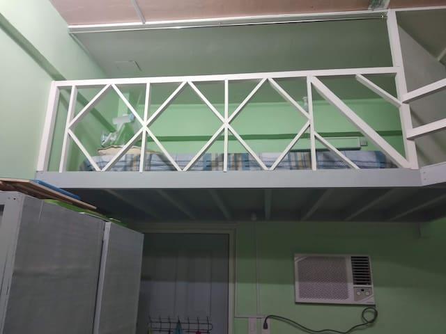 Single Loft in Cebu city - Aircon, wi-fi, kitchen