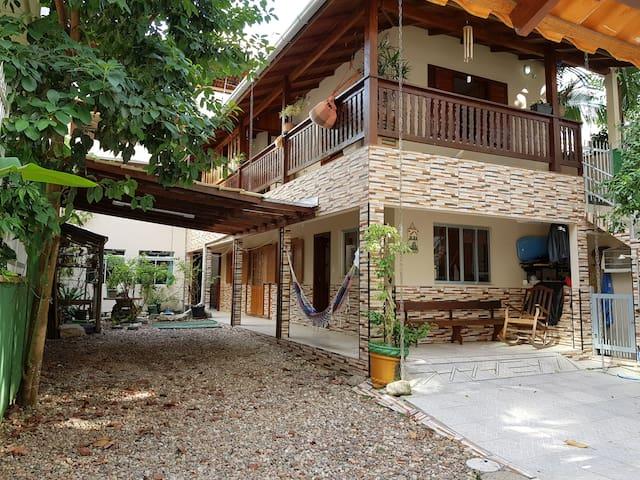 Casa em Itapema para 18 pessoas - Buba's House