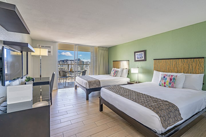 *Professionally Sanitized* Ocean & Diamond Head View w/Pool, Sauna, and Gym! - Island Colony Studio Ocean & Mountain View on the 34th Floor A
