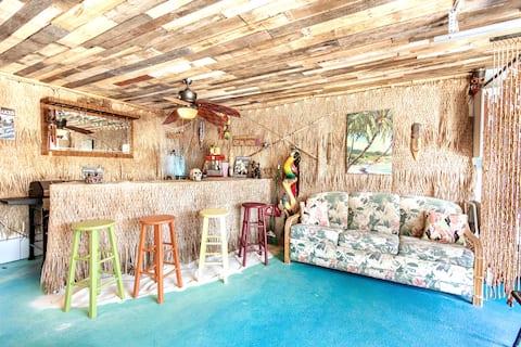 Tiki Paradise-Game Room/TikiBar-Gated Beach Access