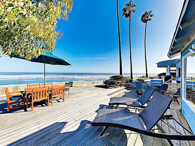 Oceanfront Retreat: Deck, Fire Pit, Grill & Tennis