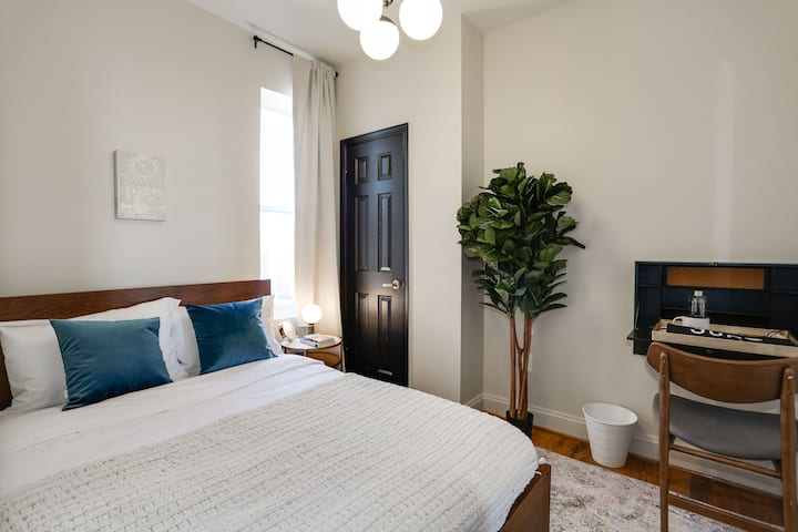 Shaw Living with Fully-Funished Rooms