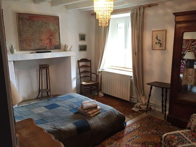La chambre d'amis d'artistes - Montlevon