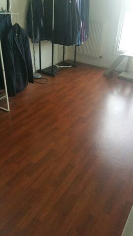 Chambre vide pour tapis de sol - Provins - Casa