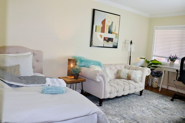 Peaceful Room In Palo Alto w separate entrance