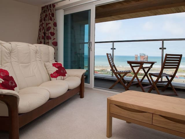 Apartment 5 Latitude 51 Westward Ho! (BC5LAT)