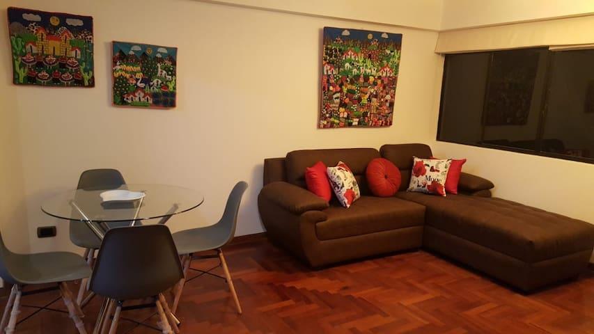 Habitacion cama 2 plaz, tv con baño x Hilton hotel