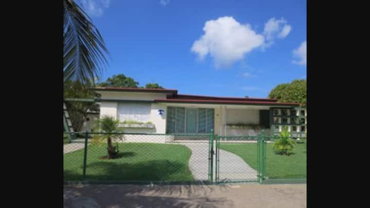 Villa 37 Punta Gorda Cienfuegos