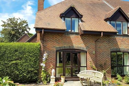 9 Langtons Court, Arlesford - New Alresford - บ้าน