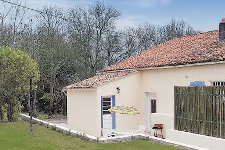 Riverside Cottage - Dampierre-sur-Boutonne
