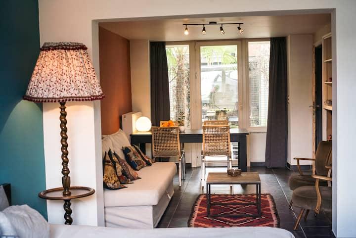 Big & cosy riverside apartment