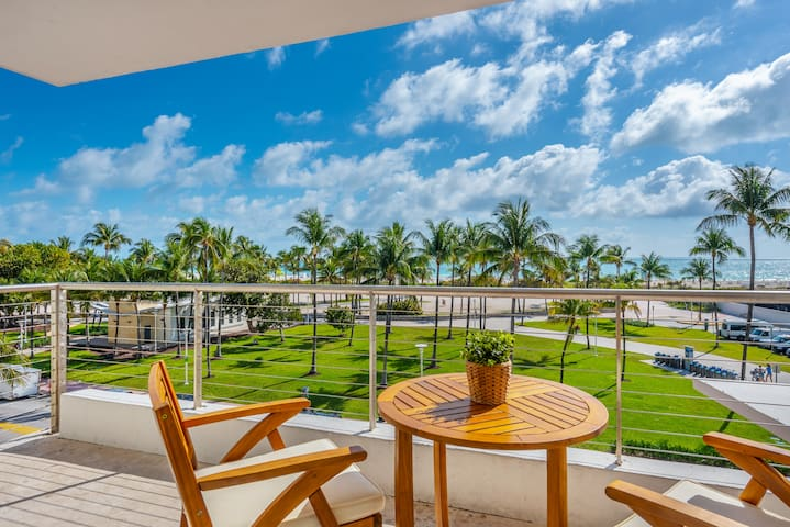 One Bedroom Direct Ocean View with Balcony